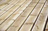 Kyllästetyt aluspuut: 45 x 70 mm